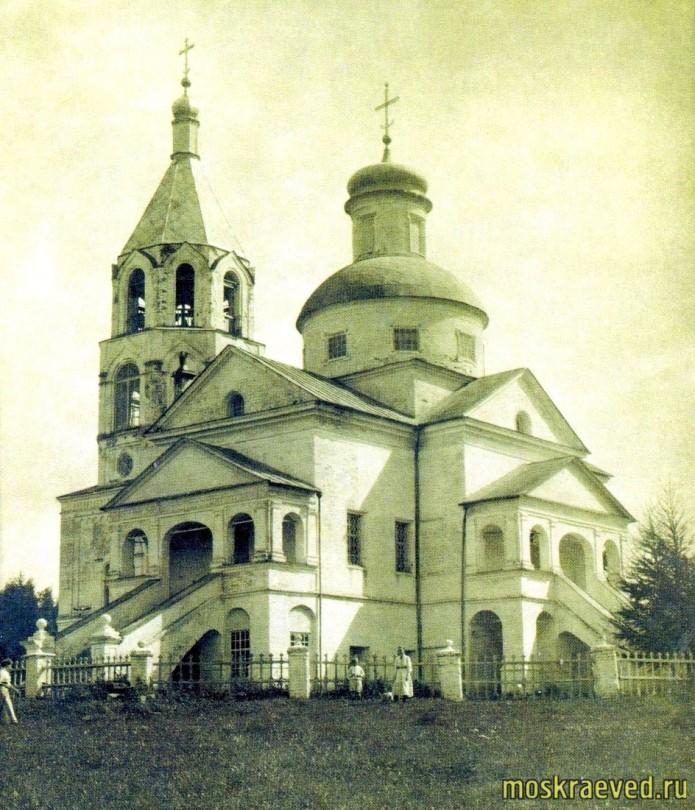 Свято-Духовский храм в Никольском (Первомайское)